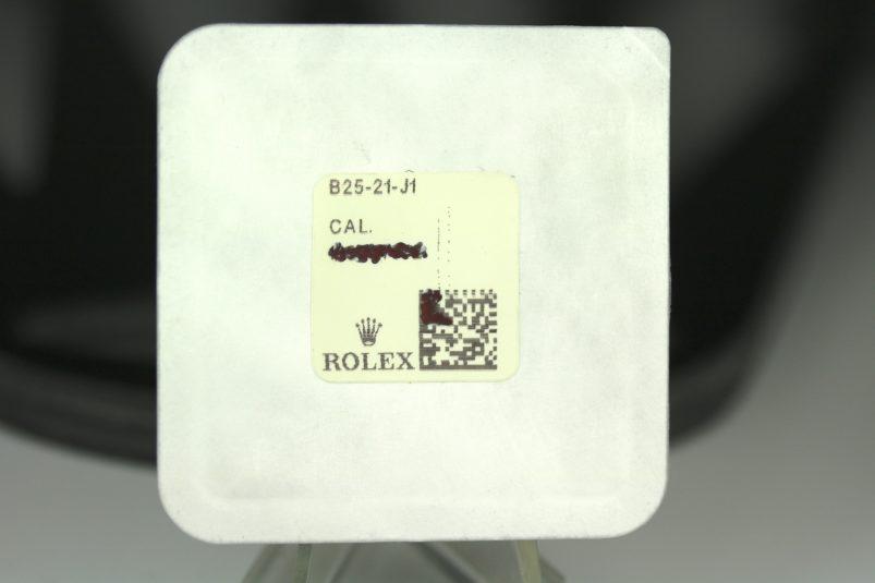 Rolex Rolex Plexi Glas B25-21-J1 für Daytona 6239/6240/6262/6263 etc. im Neuzustand. NOS Rolex Plexi glas B25-21-J1 for Daytona 6239/6240/6262/6263.